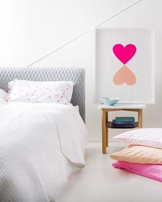 1 dorm pink